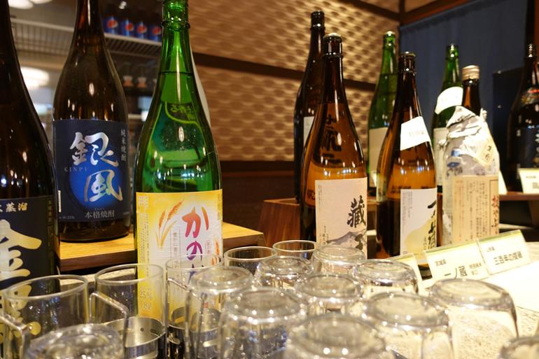 各種日本酒もずらり!