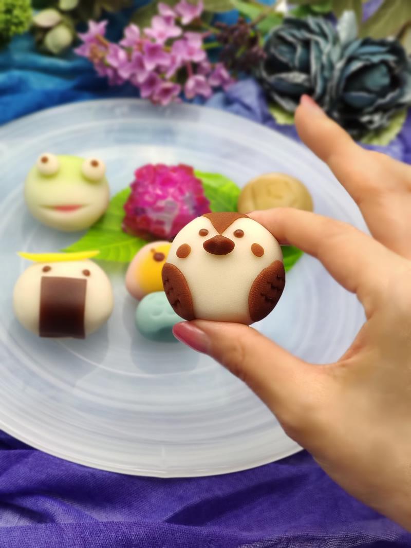 熊谷屋の上生菓子のイクスカすずめ