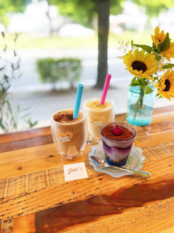 Suns Smoothie&Cafeのスムージーとスイーツ